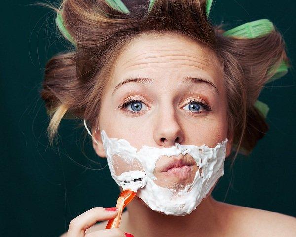 Phụ nữ có nên triệt lông mặt không? [Chuyên gia tư vấn]