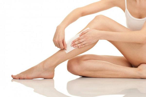Cách wax lông chân tại nhà an toàn đã được nhiều người thực hiện