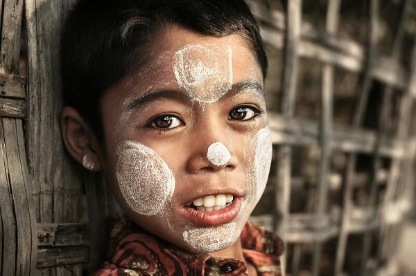 Bột thanaka – Thần dược làm đẹp của những cô gái Miến Điện