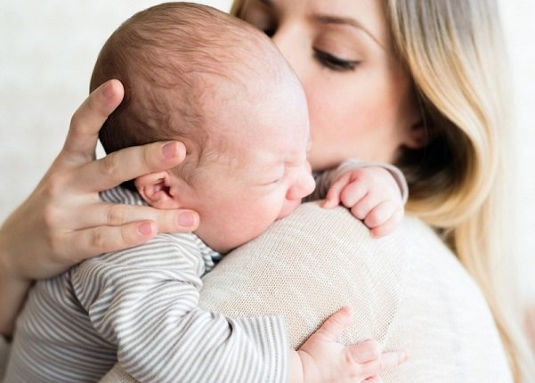 lông đẹn ở trẻ sơ sinh