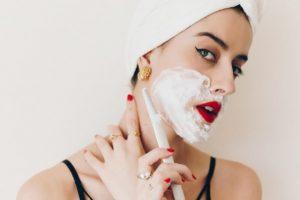 Có nên cạo lông mặt hay không? Và 5 nguy hại tiềm ẩn bạn cần biết