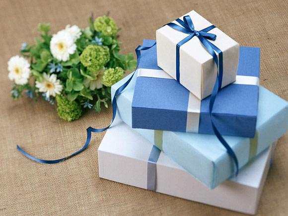 Món quà 8/3 sớm của anh chồng tâm lý khiến cô vợ 26 tuổi hạnh phúc phát khóc