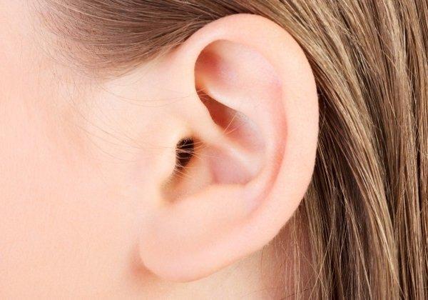 Lông mọc ở vành tai báo hiệu điều gì | Giải đáp tất tần tật về lông mọc ở tai