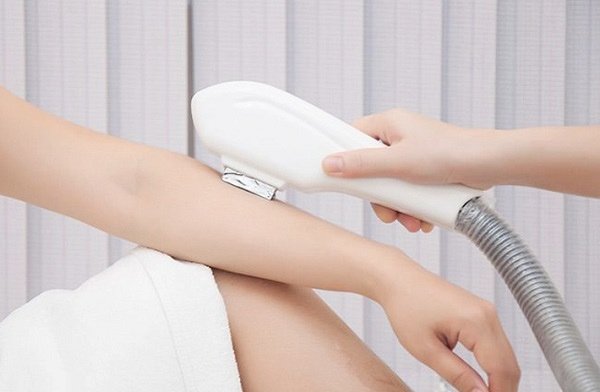 Triệt lông bằng ánh sáng sinh học có hại không | Lời khuyên của các chuyên gia