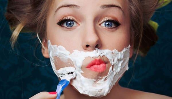 Cạo lông mặt có bị nổi mụn không? Phương pháp triệt lông mặt an toàn có 1-0-2 trên thị trường