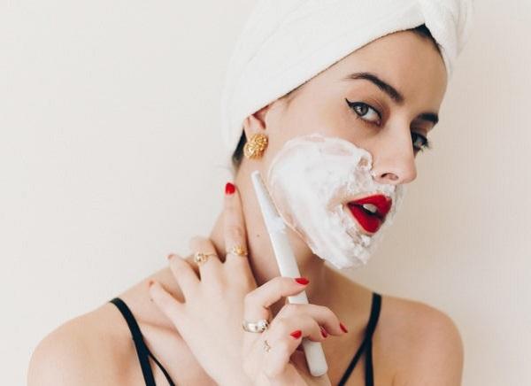 tác hại của việc cạo lông mặt, tác hại của cạo lông mặt, cách chăm sóc da sau khi cạo lông mặt, lỡ cạo lông mặt tại nhà phải làm sao, chăm sóc da sau khi cạo lông mặt, xử lý khi cạo lông mặt tại nhà, lỡ cạo lông mặt phải làm sao