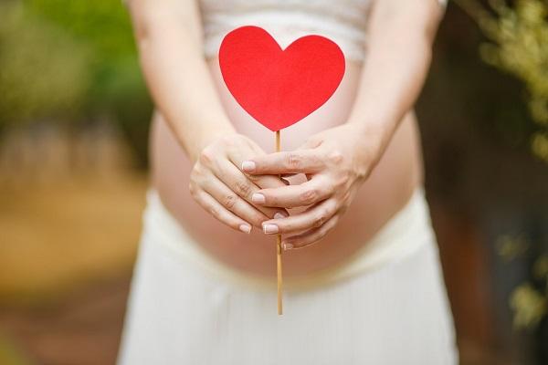 Triệt lông có ảnh hưởng đến thai nhi? Tìm hiểu ngay để bảo vệ con