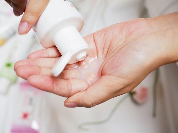 cách làm sạch vùng kín tại nhà, cách làm sạch lông vùng kín tại nhà, cách làm sạch vùng kín, cách làm sạch vùng kín phụ nữ tại nhà