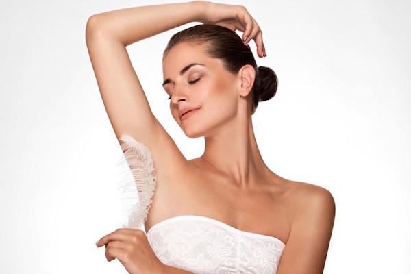 Thu hút mọi ánh nhìn với cách triệt lông nách và trị thâm mà nhiều chị em nên biết