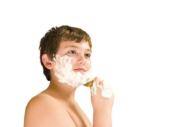 Có nên cạo lông mặt ở tuổi dậy thì hay không? Những điều giúp tuổi teen gạt bỏ lo âu