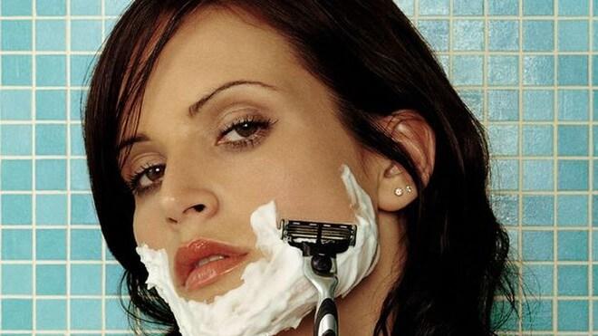 BẬT MÍ con gái có ria mép có nên cạo không? Tại sao con gái có ria mép?